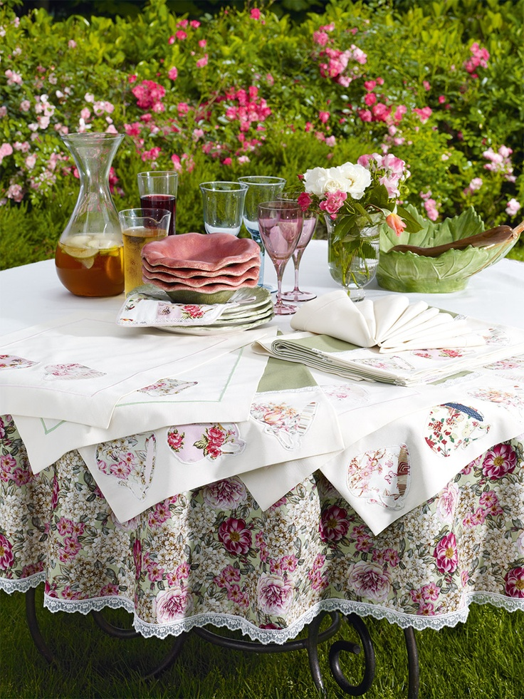 Marvelous Spring Flowers With DANTELL... #dantell #dantellbrand #spring #tablecloth #