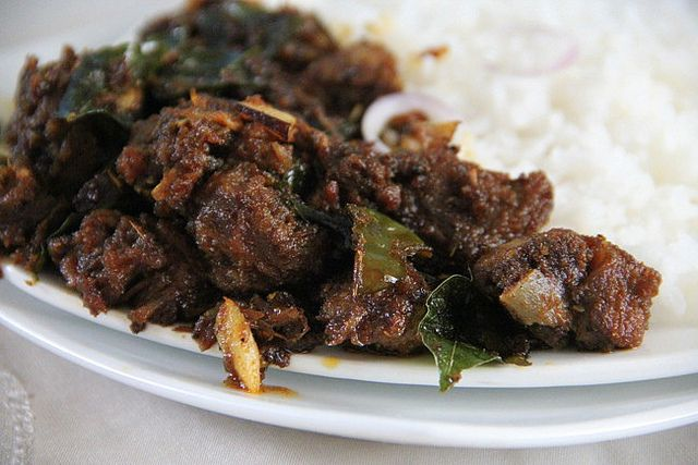 Nadan Erachi Ularthiyathu / Kerala Meat Fry - http://www.spicychilly.com/2013/01/nadan-erachi-ularthiyathu-kerala-meat.html