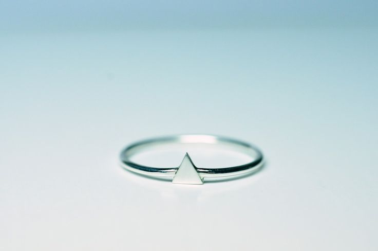 BAGUE FINE TRIANGLE, argent Pulp Jewels http://pulpjewels.com
