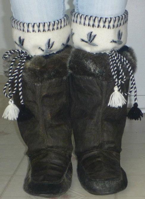 Inuit made sealskin kamiks by Ida Saviadjuk