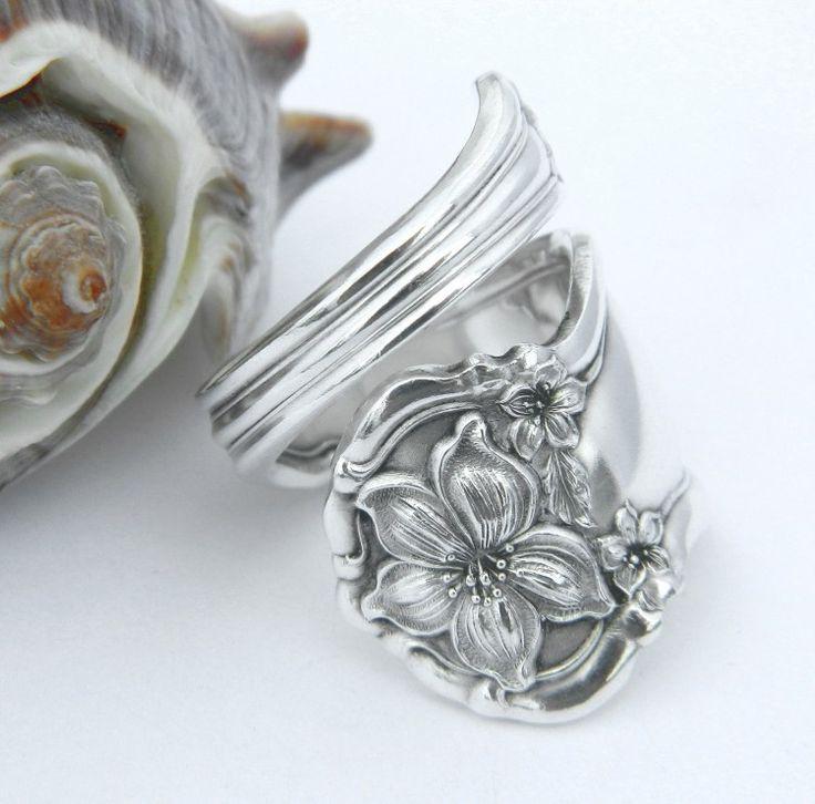 Ring mit floralem Relief aus altem Silber Besteck selber machen