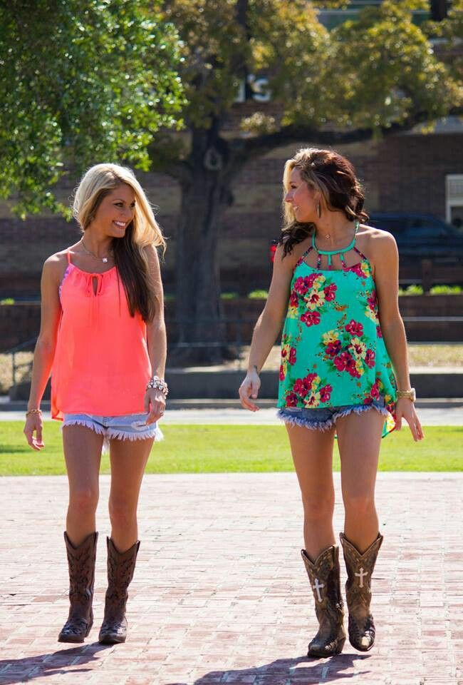 cowgirl outfits in the summer, cute blouse, denim shorts. cowboy boots
