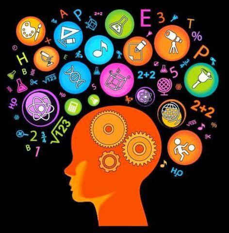 La matematica non può essere definita senza riconoscerne la caratteristica più importante: la matematica è interessante. In nessun altro campo la bellezza intellettuale è sentita così profondamente, in nessun altro campo è apprezzata tanto puntigliosamente nei suoi vari gradi e qualità, quanto in matematica. Ed è solo questa valutazione informale del valore matematico che può distinguere ciò che è matematica da un'accozzaglia di enunciati e operazioni che - sia pur formalmente simili - sono…