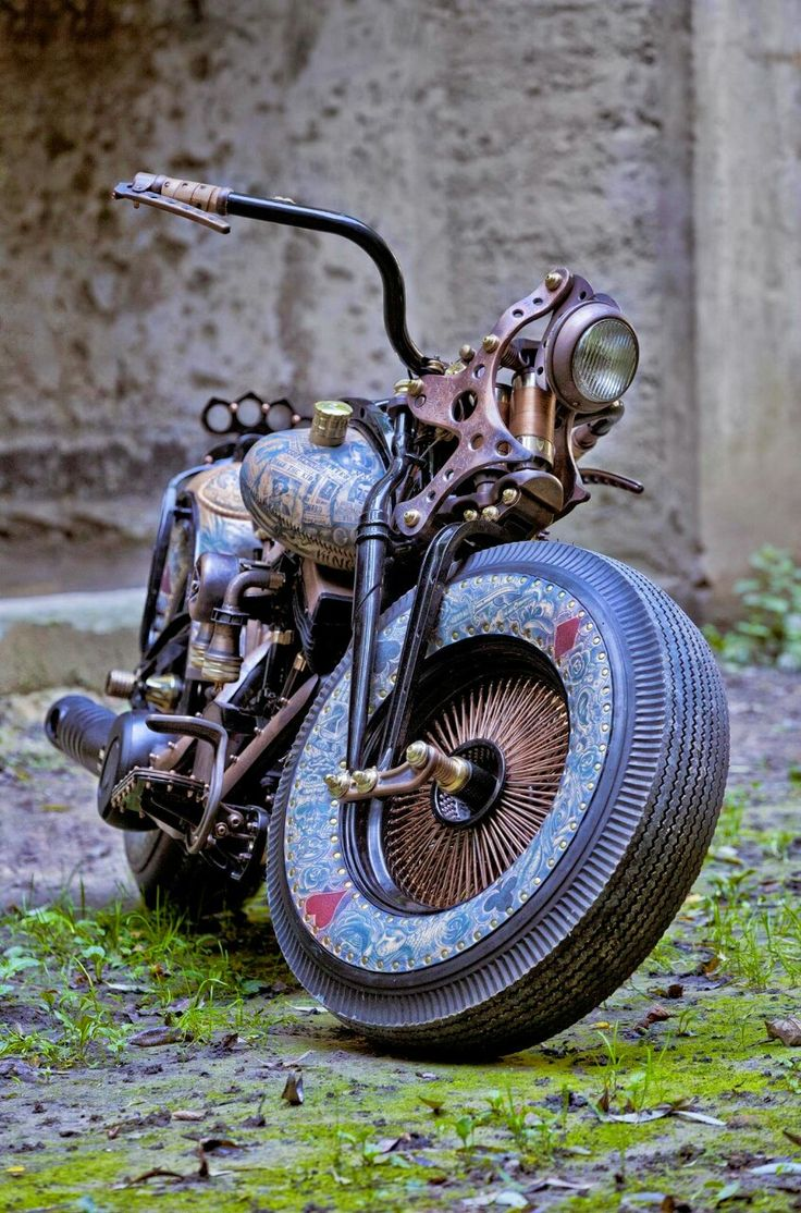 The base bike was a 1980 xs650 in a very poor state cylinders where - Just Beauty