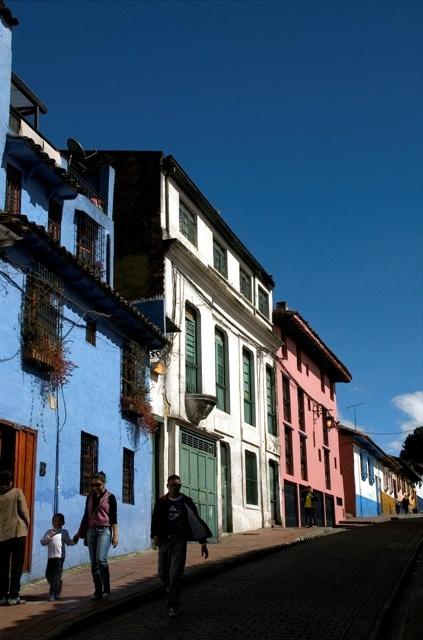 Nuestra Calle. Alegrias hostel. La Candelaria, Bogota. Hermosa fotografia.