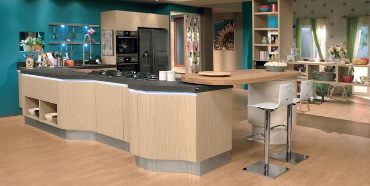 Beauty, fidelity, cunning. Penelope is an innovative kitchen model which responds successfully in terms of sensibility, tradition, research and care.