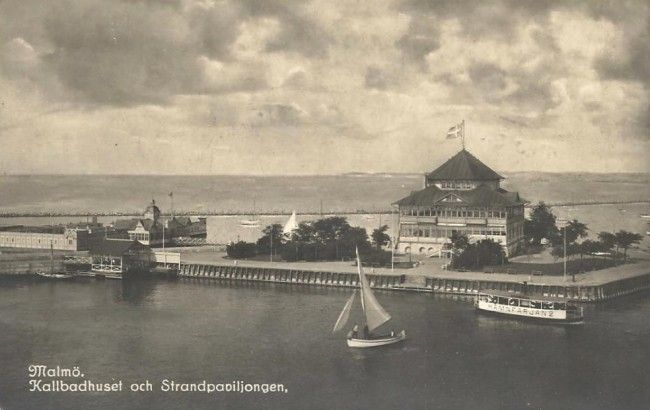 Sweden , Malmö. Kallbadhuset och Strandpaviljongen. Ca 1900.