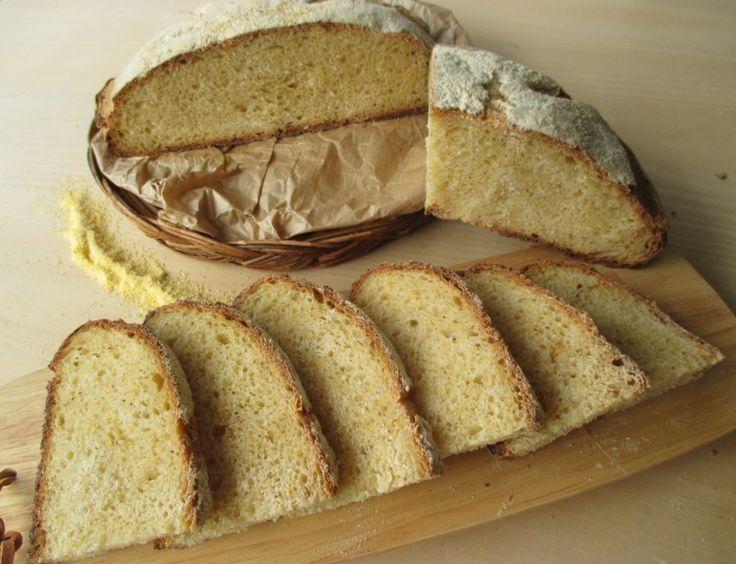 Oggi in blog la ricetta di un nuovo pane... Pane con farina di mais e a lievitazione naturale! Sicuramente di questo pane la prima cosa che s