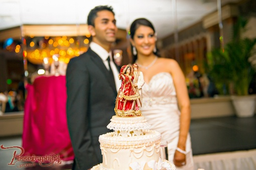 Wedding Gift For Bride And Groom Online India : ... indian theme wedding cakes on Pinterest Peacock wedding cake, Indian