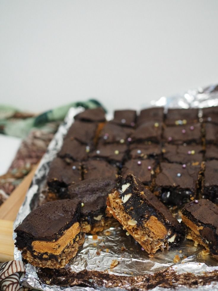 Town Bike Bickies (the Aussie Slutty Brownie Recipe) - Champagne and Chips