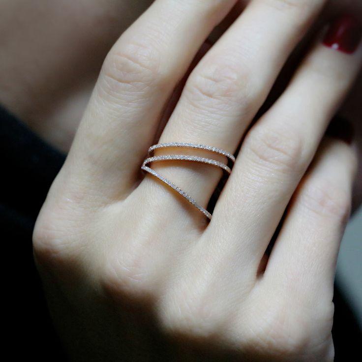 """Side V Illusion"" Ring - Plukka - Shop Fine Jewelry Online"