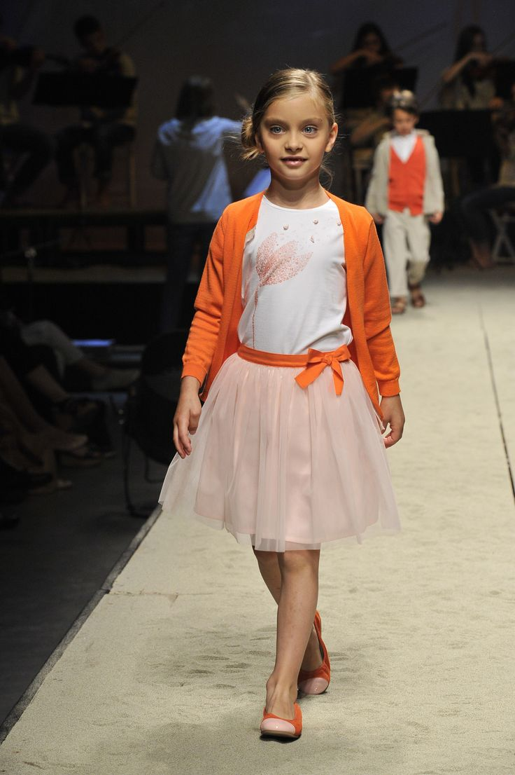 how to set up a fashion show for kids