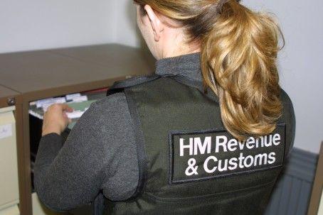 #HMRC investigates suspected #Money Laundering Regulations breaches  -@HMRC http://www.mynewsdesk.com/uk/hm-revenue-customs-hmrc/pressreleases/hmrc-investigates-suspected-money-laundering-regulations-breaches-1168491