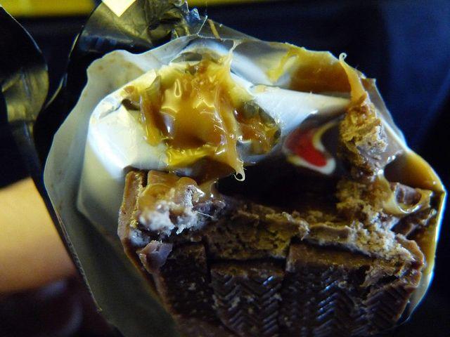 Mars fritto, una vera bomba ipocalorica che si mangia soprattutto in Scozia: lo snack diminuisce l'afflusso di sangue al cervello