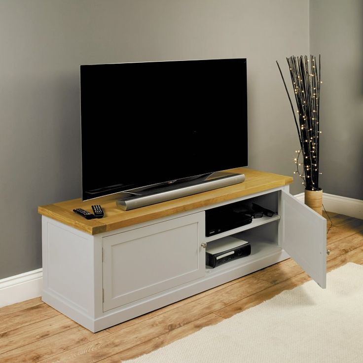 Chadwick Satin Lacquered Oak Widescreen TV Cabinet With Doors -  - TV Unit - Baumhaus - Space & Shape - 2