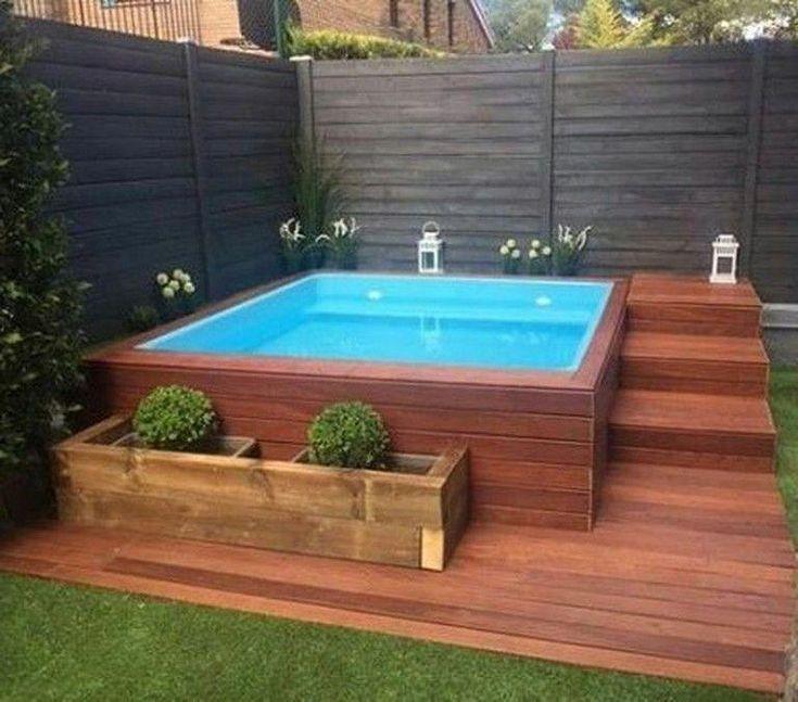 65 Atemberaubende Kleine Pool Design Ideen Fur Den Garten Zu Hause Backyardshe 2019 65 Atemberaube Small Backyard Decks Small Pool Design Small Backyard Pools