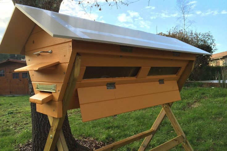 268 best ABEILLES, INSECTES images on Pinterest Bees, Bug hotel