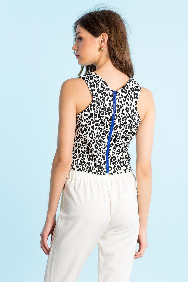 Леопардовый топ Размеры: S, M, L Цвет: белый с принтом Цена: 611 руб.     #одежда #женщинам #топы #коопт