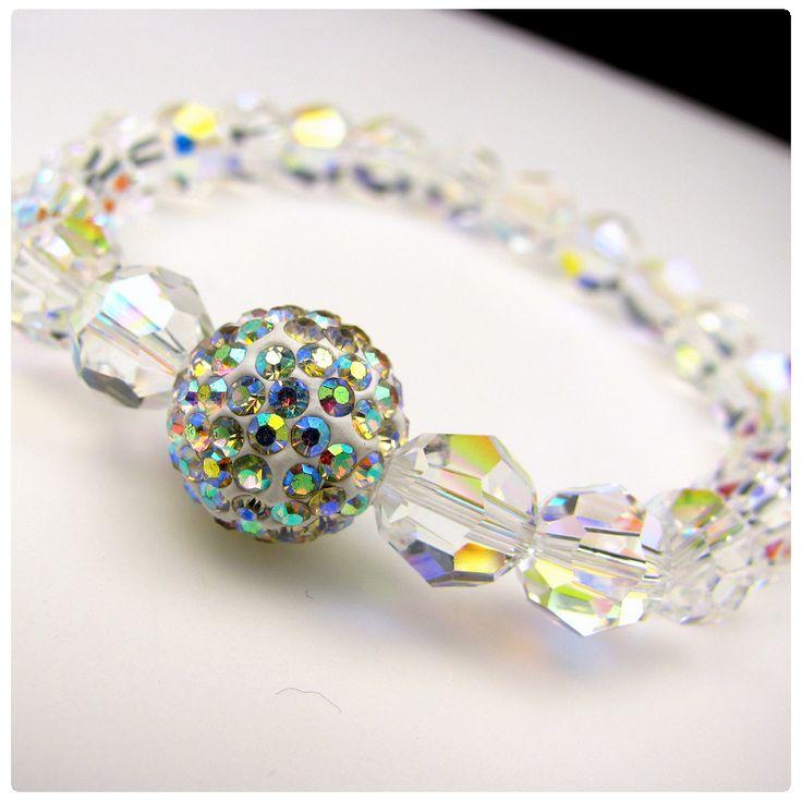 Ékszer inspiráció #SwarovskiElements #Pavé Ball kristály gyöngyökből és #5000 gyöngyökből Crystal AB színben.