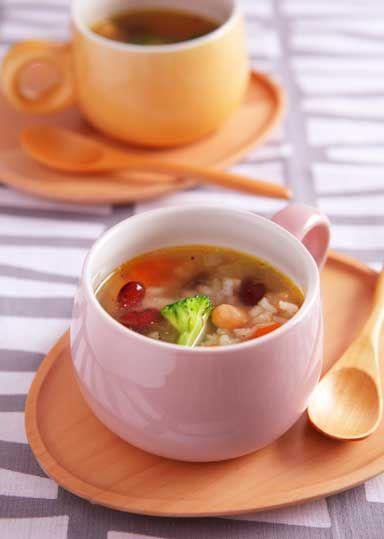 豆とお米のあったかスープ のレシピ・作り方 │ABCクッキングスタジオ ... 豆とお米が入った具沢山のスープ。野菜もたっぷり入って、食べ応え十分です。寒い季節にぴったりのコンソメ仕立てで、朝食やランチにぴったりの1品です。