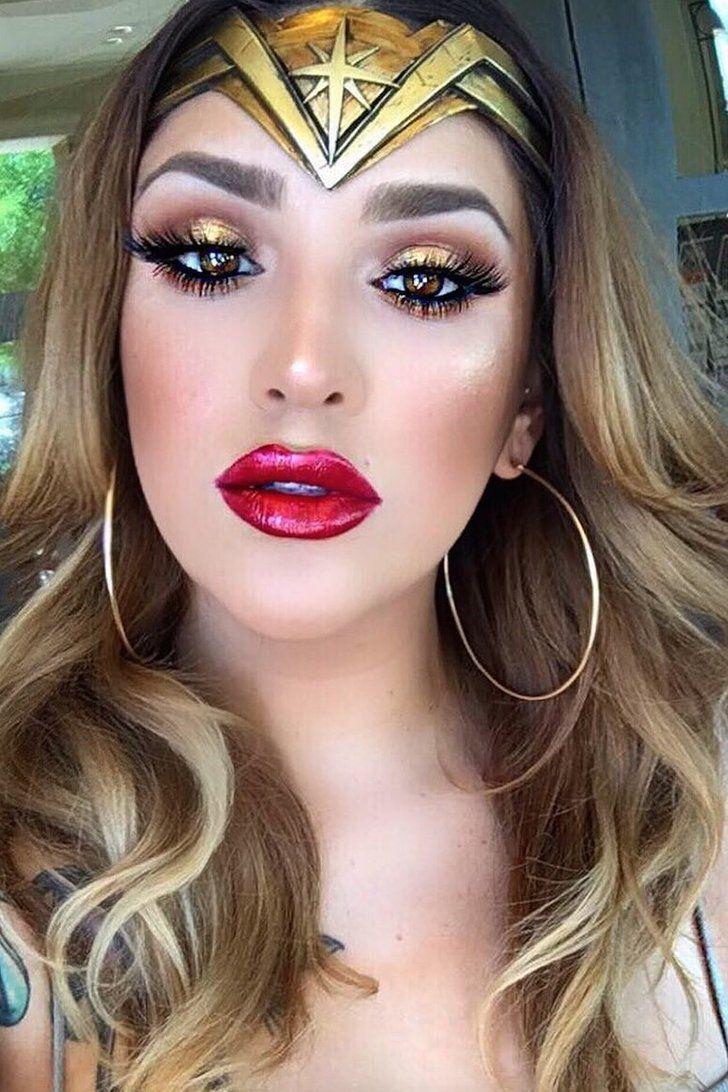 Pin By Maria Clara Loos On Aniversario In 2020 Wonder Woman Makeup Halloween Women Makeup Halloween Eye Makeup