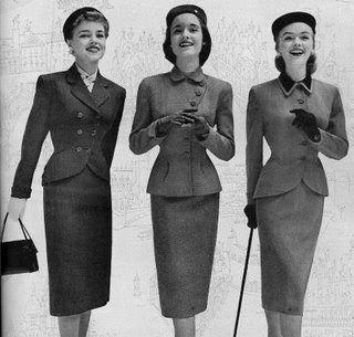 hola buendían.n les traigo como fue evolucionando la alta costura en los años 30 esta muy padre la ropa, como que va regresando las tende...