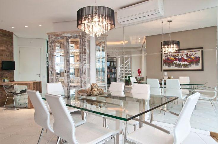 Ambiente aconchegante para realizar as refeições.  (Foto: Revista Sua Casa)