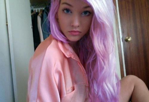 if i had platinum blonde hair, my hair would constantly be in various stages of fun color. one can wish.