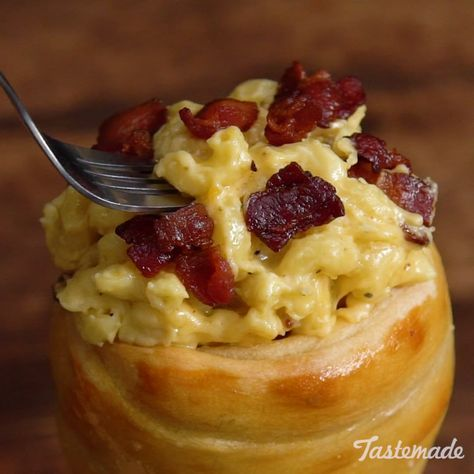 Warm bread cones stuffed with bacon, cheddar and Gouda-smothered pasta is a carb lover's dream come true.