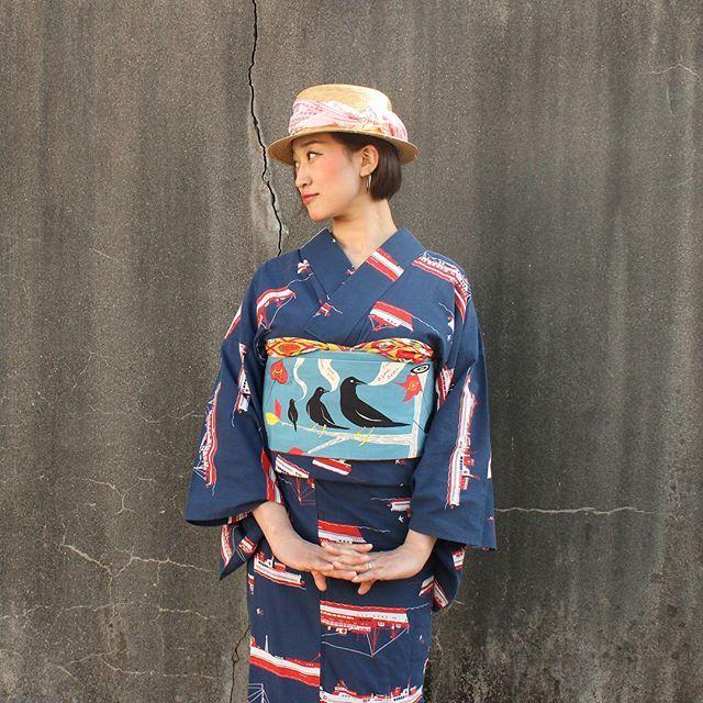 ぐっと気温があがり着物もいよいよ衣替えの季節です。 . ●綿素材浴衣「ヨーソロ」。 . 綿素材のため透け感が少ないため襟を入れると単衣感覚で着用出来ます。現在即納品のご用意がございます。 . #kimono #yukata #modern #styling #ig_japan #ig_nippon #modern_antenna #obi #fasion #着物 #モダンアンテナ #着物コーデ #浴衣 #ファッション #スタイリング #帯 #趣着物 #成人式 #卒業式 #振袖 #袴 #デザイン #design #キモノカリモノ