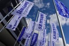 Прибыль Samsung Electronics увеличилась из-за высокой цены на DRAM и NAND память    Компания Samsung Electronics, как и фактически вся промышленность, вошла в полосу квартальных отчётов. Для Samsung прошедший ii квартал 2017 календарного года оказался одним из лучших за последние годы. Производитель открыто признаёт, что в этом ему посодействовал недостаток памяти DRAM и NAND, который взвинтил цены на микросхемы памяти. Полупроводниковое подразделение стало основным генератором денег…