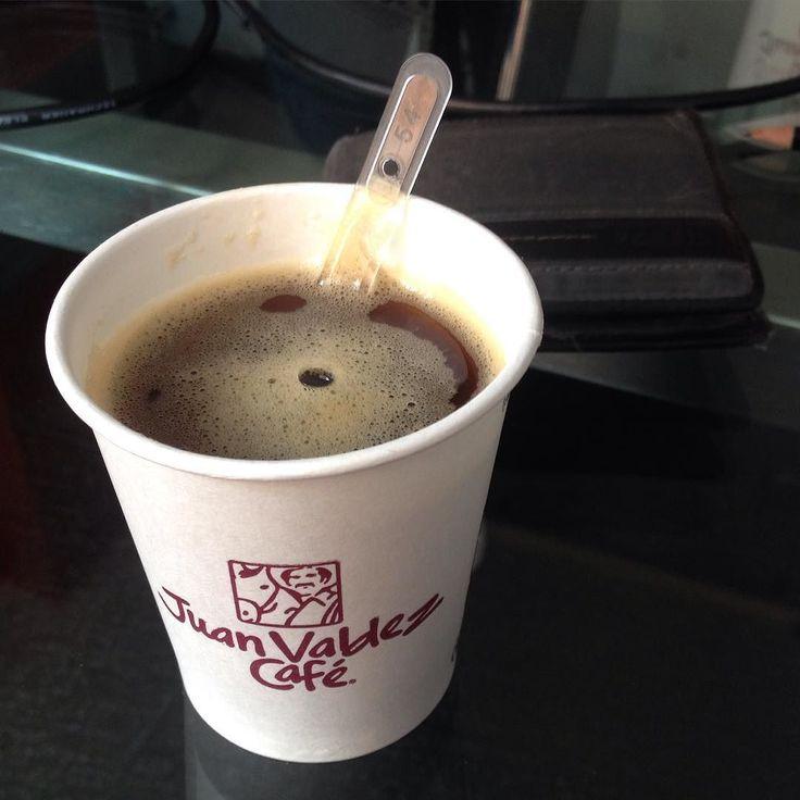 Un buen café  para esta reunión en Y&R con FARMATODO  by cabetopacheco
