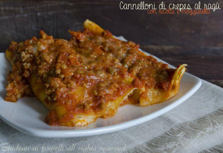 Cannelloni di crepes al ragù con ricotta e mozzarella