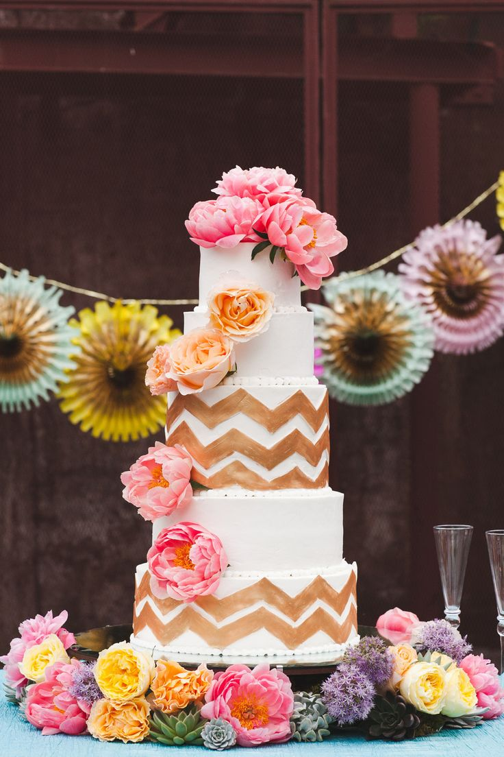 loving this whimsical wedding cake
