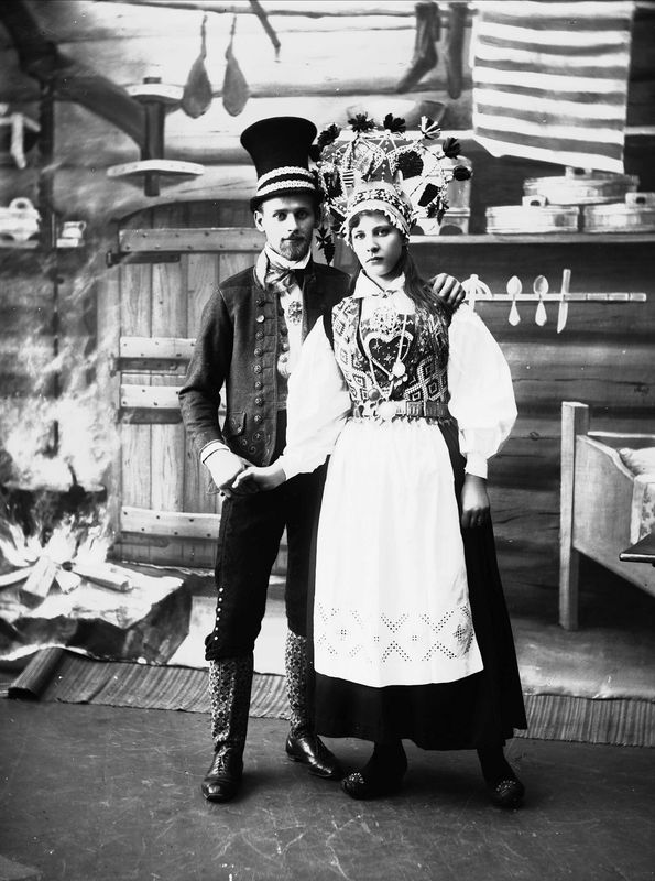 Photography of man and woman with bridal outfits | Solveig Lund | 1895-1899 | Norsk Folkemuseum | Public Domain