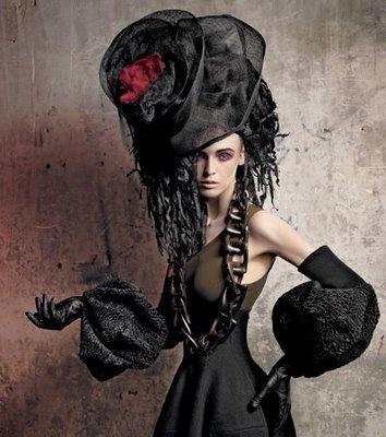 ::: OutsaPop Trashion ::: DIY fashion by Outi Pyy :::: GALVA-nized Millinery
