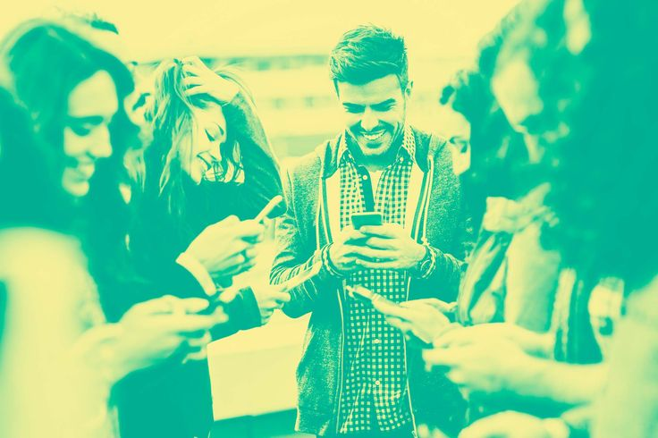 Here are some smart rules to follow when you're on a group text message chain.
