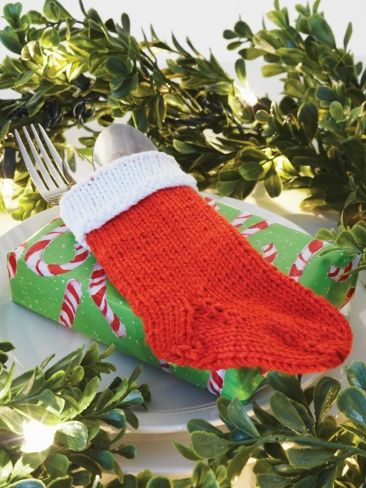 Knitted Christmas Stocking Patterns For Beginning : Cutlery Holder Stocking Yarn Free Knitting Patterns ...