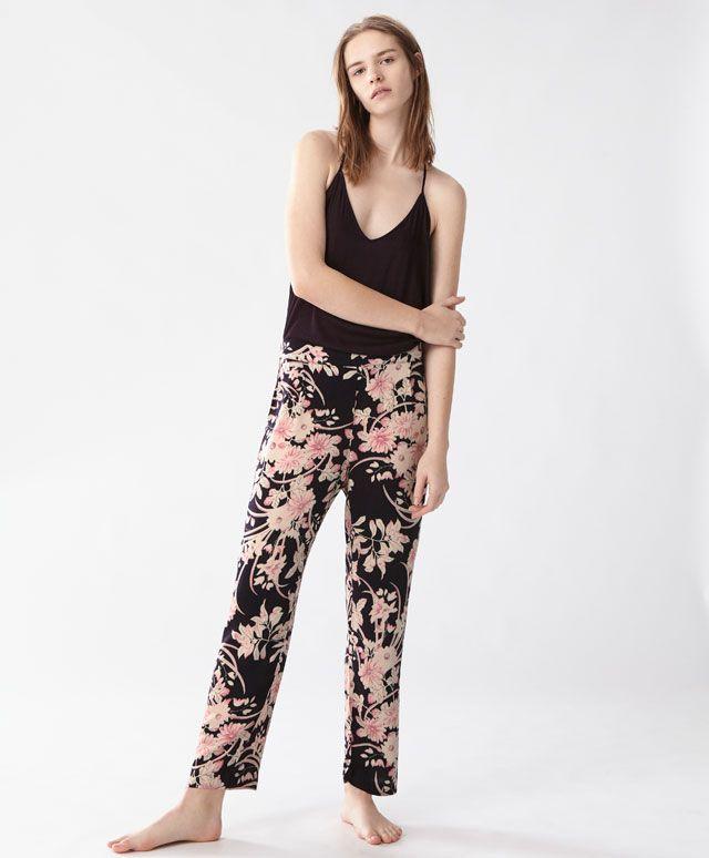 Pantaloni a fiori antique - Novità - PIGIAMI | Oysho
