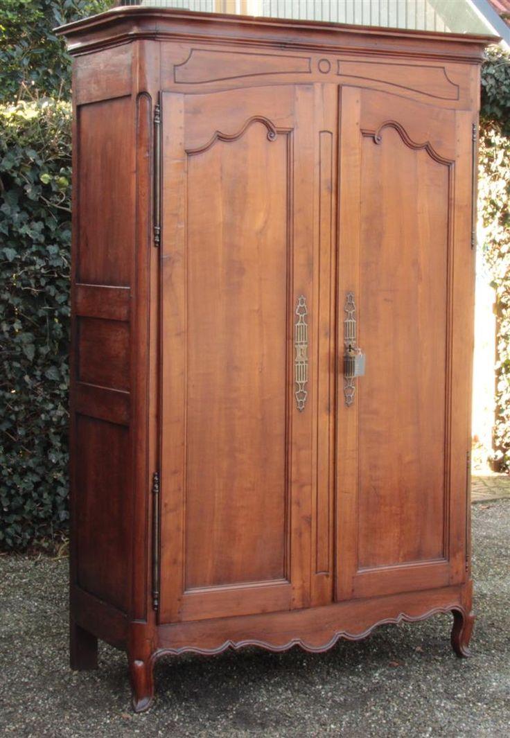 Antique cabinets | antique furniture | antique wardrobe | antiques | Online antiques.