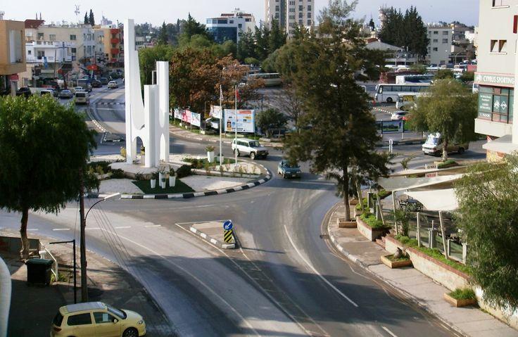 Lefkoşa'da Gezi için Mavi Çizgili Gezi Yolunu Takip Edin.   Kıbrıs Rent a Car Lefkoşa tanıtımına devam ediyor.  #Kıbrıs #Lefkoşa