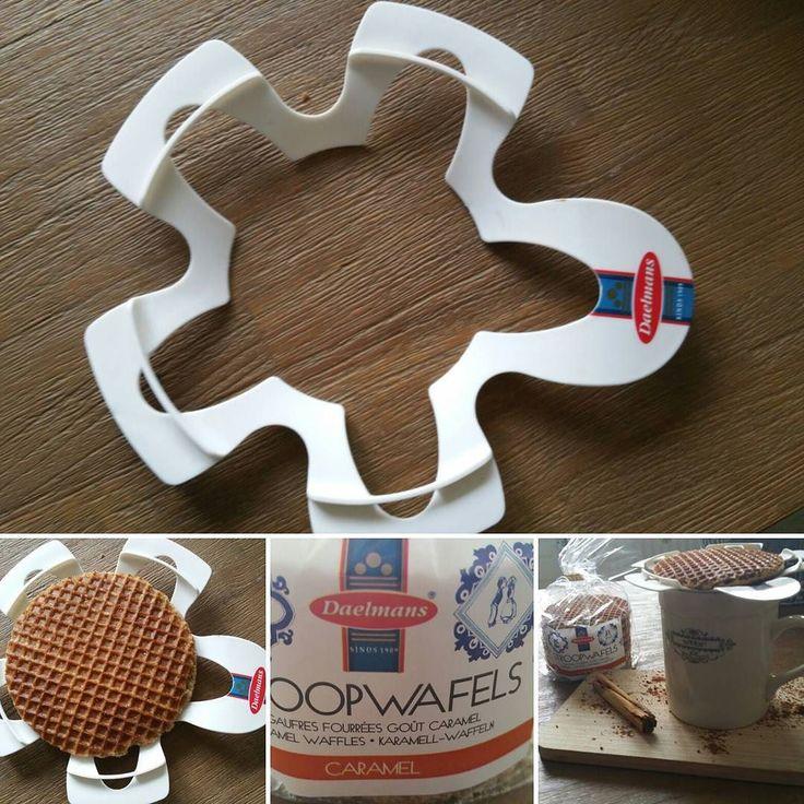 Hebben jullie al zin in warme chocolademelk? Met deze houder leggen we er een stroopwafel op. Ook warm dus. #lekker #daelmans #caramel