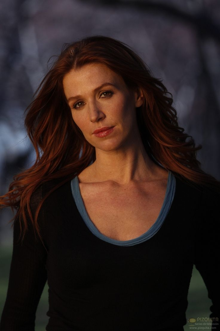 Poppy Montgomery - Unforgettable. Love her with red hair! And adore this show! Oh, and I wish I ...