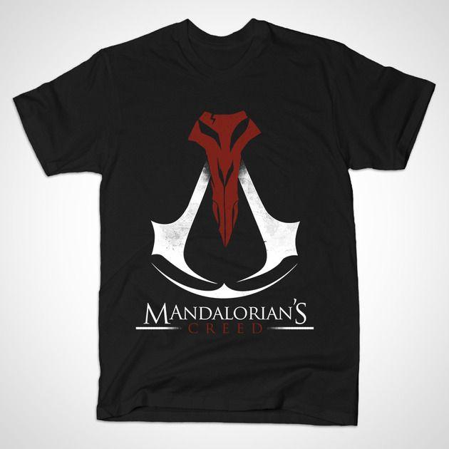 A Star Wars and Assassin's Creed mashup t-shirt by juanotron/Juan Foo. Mandalorian's Creed.