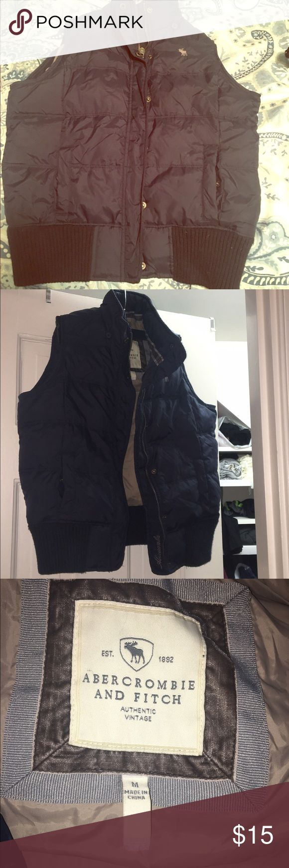 Womens Abercrombie and Fitch Puffer vest sz Med Womens Navy Blue Abercrombie and Fitch Puffer vest size Medium Abercrombie & Fitch Jackets & Coats Vests