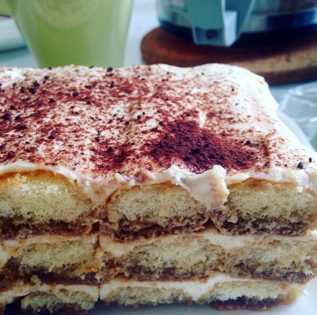 Нежнейший итальянский десерт на основе бисквитного печенья с кофейной пропиткой и ванильным крем-чизом. Впервые настоящий тирамису мне удалось попробовать на день рождения коллеги из Италии, котор…