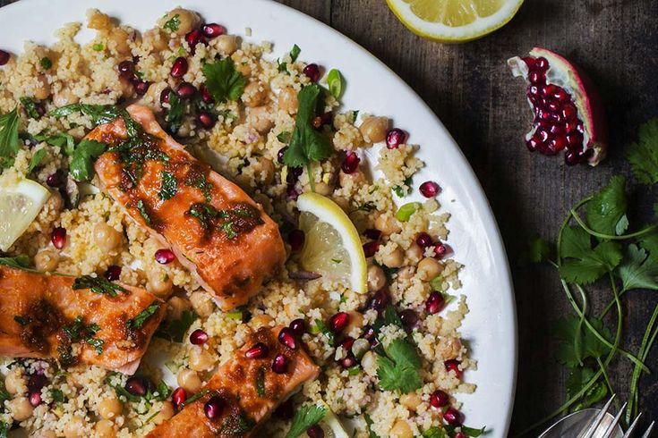 Harissa og honning bakt laks med kikerter og couscous salat smaksatt med harissa – Aichas Mat