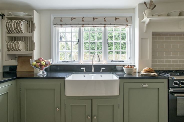 17 best ideas about english kitchens on pinterest for Green country kitchen ideas