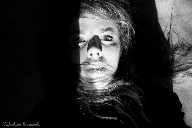 """ATTACCHI DI PANICO, ANSIA.  Molti mi hanno chiesto di spiegare cosa sento quando ho un attacco di panico e spesso nonostante le mie dettagliate spiegazioni vedo la gente che in maniera superficiale mi guarda con occhi dubbiosi e mi dice:  """" ma se sai c Explore how to control anxiety attacs."""