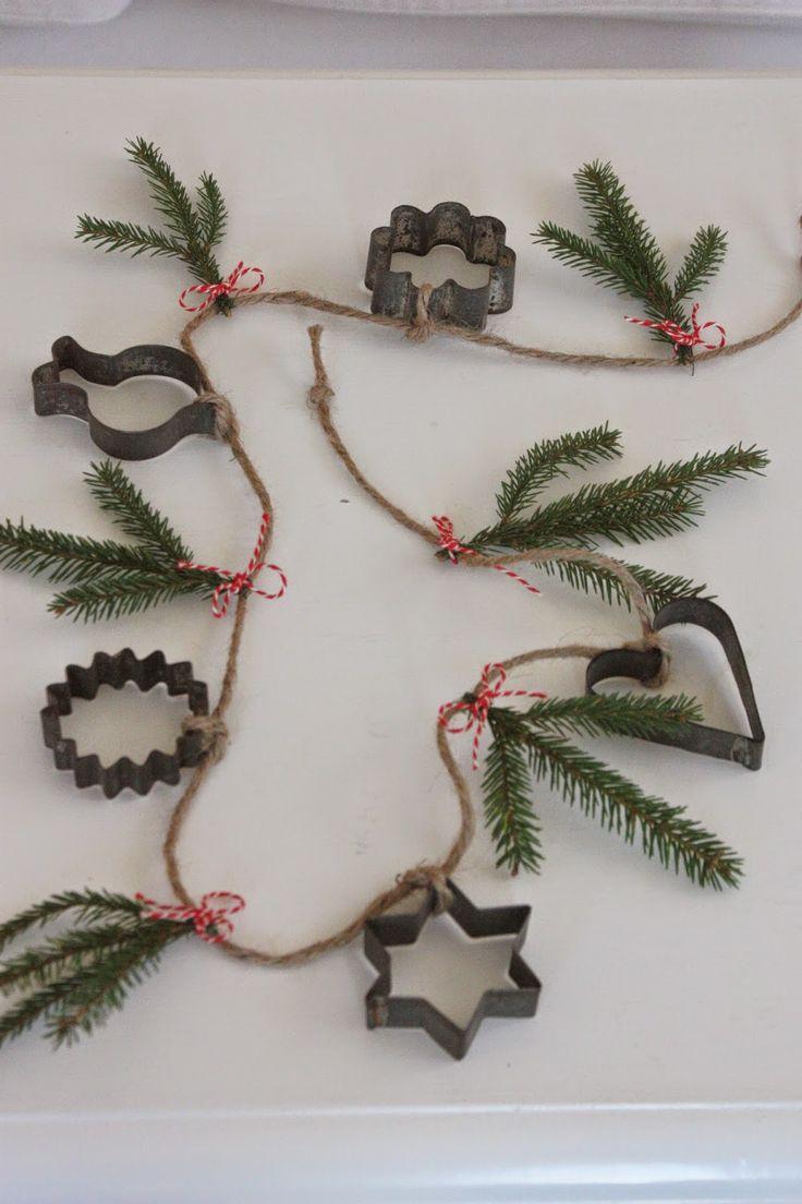 Best 25+ Christmas garlands ideas on Pinterest | Christmas garland ...